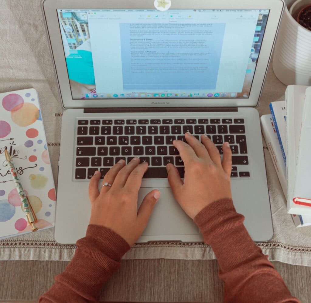 Lavora con me, creazione di articoli per il tuo blog